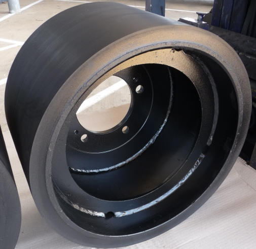 Rubber roller rebuilt by Big Tyre